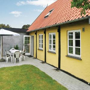 Hotel Pictures: Holiday home Kannikegårdsvej Nexø I, Balke