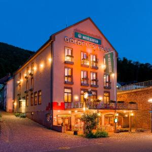 Hotel Pictures: Hotel Goldenes Fass, Freudenberg am Main