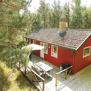 Hotel Pictures: Holiday home Hakkebakkeskogen Nexø III, Bedegård