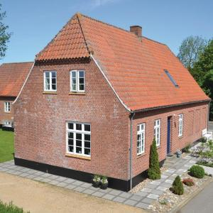 Hotel Pictures: Holiday Home Outrup I, Vester Debel