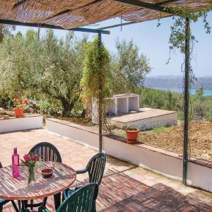Hotel Pictures: Three-Bedroom Holiday Home in Periana, Periana