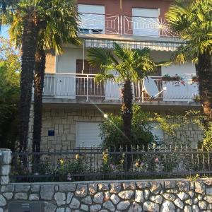 Hotellikuvia: Apartment Kostrena 13563b, Kostrena