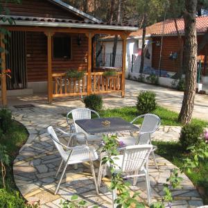 Hotelbilder: Shtepia E Pishes, Velipojë