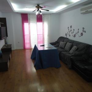 Hotel Pictures: Apartamento Thebussem, Medina Sidonia