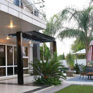 Hotel Pictures: Cycad Palm Guest House, Gaborone