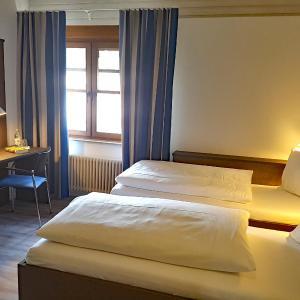 Hotel Pictures: Katholisches Jugend- und Tagungshaus, Wernau