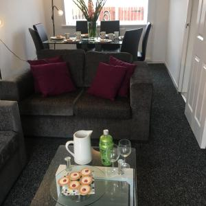 Hotel Pictures: SSA - Atholl House Glasgow Airport, Paisley