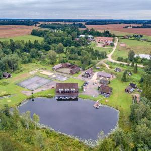 Hotel Pictures: Sammuli Holiday Village, Viljandi