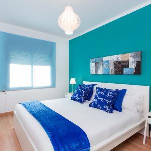Hotel Pictures: 3 Bedroom Apartment Carrer de Barcelona, Sant Adria de Besos