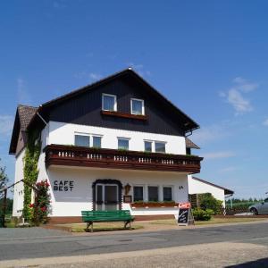Hotel Pictures: Cafe Best Gästezimmer, Bullau