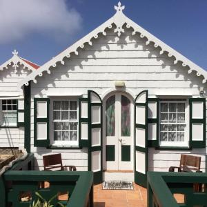 Hotel Pictures: Pete's Cottage, Windwardside