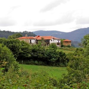 Hotel Pictures: Hotel Casona Cuervo, San Tirso de Candamo