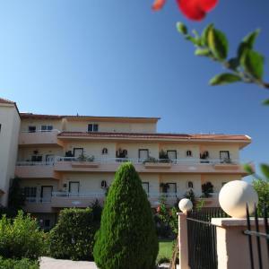 Hotel Pictures: Lyristis Studios & Apartments, Faliraki