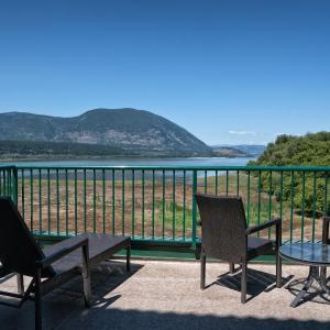 Hotel Pictures: Prestige Harbourfront Resort Salmon Arm, Salmon Arm
