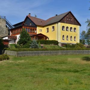 Hotel Pictures: Johannisstein, Krompach