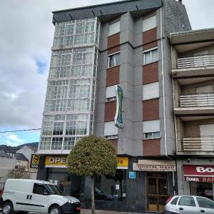 Hotel Pictures: Hostal Mayo, O Barco de Valdeorras
