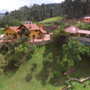 Hotel Pictures: Cabañas La Romelia, Tibasosa