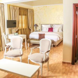 Hotel Pictures: Particular Destiny Suites, Douala