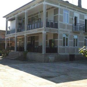 Hotellikuvia: Batumi House For Rest, Oni