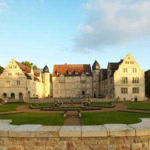 Hotel Pictures: Schlosshotel Münchhausen, Aerzen