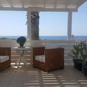 Hotel Pictures: Elena's Seaview House, Zygi