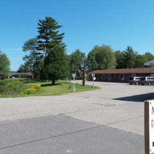 Hotel Pictures: Franklin Motel, Tent & Trailer Park, North Bay