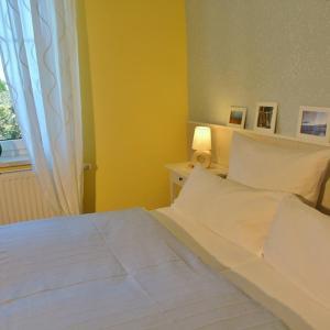 Hotelbilleder: Sonnige FeWo in Klein Zicker _ nur, Göhren