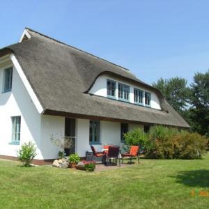 Hotel Pictures: Landhaus Klein Kubitz WE8864, Ummanz
