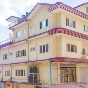 Hotellbilder: Homestay room for 3 in Lakkar Bazar, by GuestHouser, Shimla