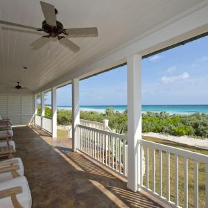 Hotel Pictures: French Leave South Beach Dogtrot Villa Villa, Governor's Harbour