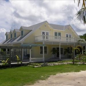 Hotel Pictures: Yellow House Home, Governor's Harbour