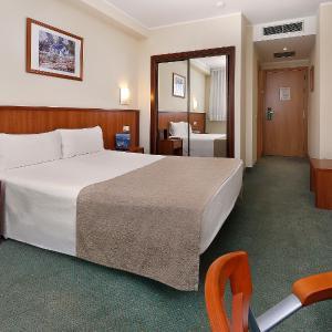 Hotel Pictures: HCC Ciutat De Berga, Berga