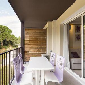 Hotel Pictures: Lieu dit La Couasse, Remoulins