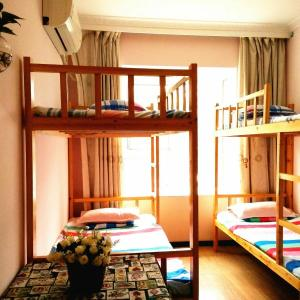 Hotel Pictures: Joey's Garden International Youth Hostel, Yichang