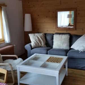 Hotel Pictures: Chalet Hermann, Langwies