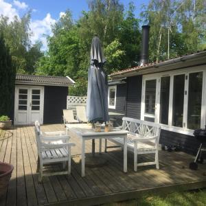 Hotel Pictures: Sommerhus på Orø, Brønde