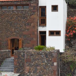 Hotel Pictures: Casa Rural Los Arcos, Mocanal
