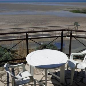 Hotel Pictures: Apartment A saint pair sur mer, dans residence en front de mer, appartement, Saint-Pair-sur-Mer