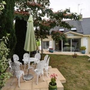 Hotel Pictures: Apartment Larmor plage - 5 pers, 100 m2, 6/3, Larmor-Plage