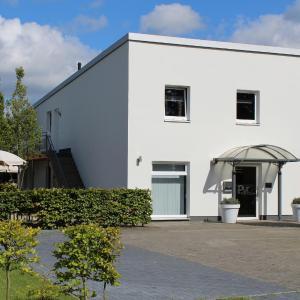 Hotel Pictures: Pur Hotel, Emlichheim