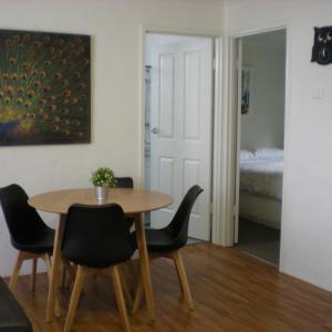 Фотографии отеля: Willow Dene Holiday Apartments, Брайт