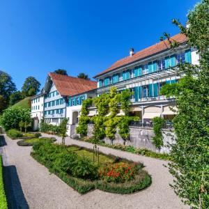 Hotel Pictures: Gasthof Gyrenbad, Turbenthal