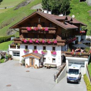 ホテル写真: Innerkratzerhof, Prägraten