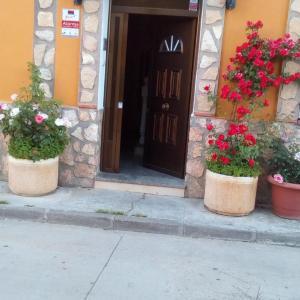 Hotel Pictures: Hostal Cañamares, Cañamares