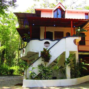 Hotel Pictures: Agua Inn, Nuevo Arenal