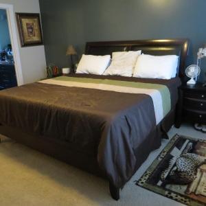 Hotel Pictures: Whitelaw Home, Edmonton