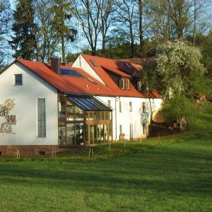 Hotel Pictures: Ferienwohnung Herbst, Edelsfeld