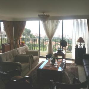 Hotel Pictures: Medellin,El Poblado,Cerca al Parque Lleras., Medellín