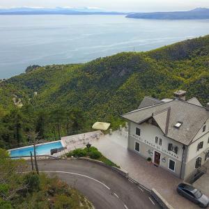 ホテル写真: Hotel Draga di Lovrana, ロヴラン