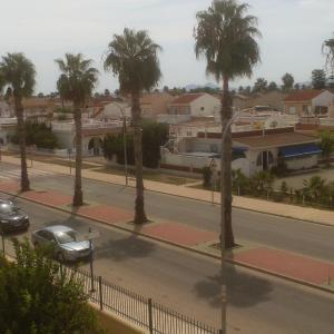 Hotel Pictures: Calle Helena Apartment, Los Alcázares